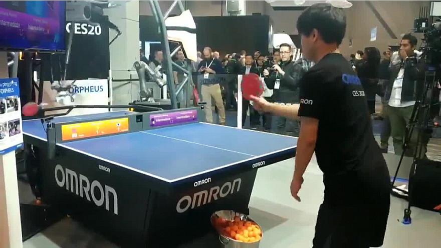 CES 2020 de Las Vegas : Ping pong training with a #robot !  #CES2020 de #LasVegas @jblefevre60 @Ym78200 @pierrepinna @ipfconline1 @labordeolivier @tewoz @PironTristan @MichaGUERIN